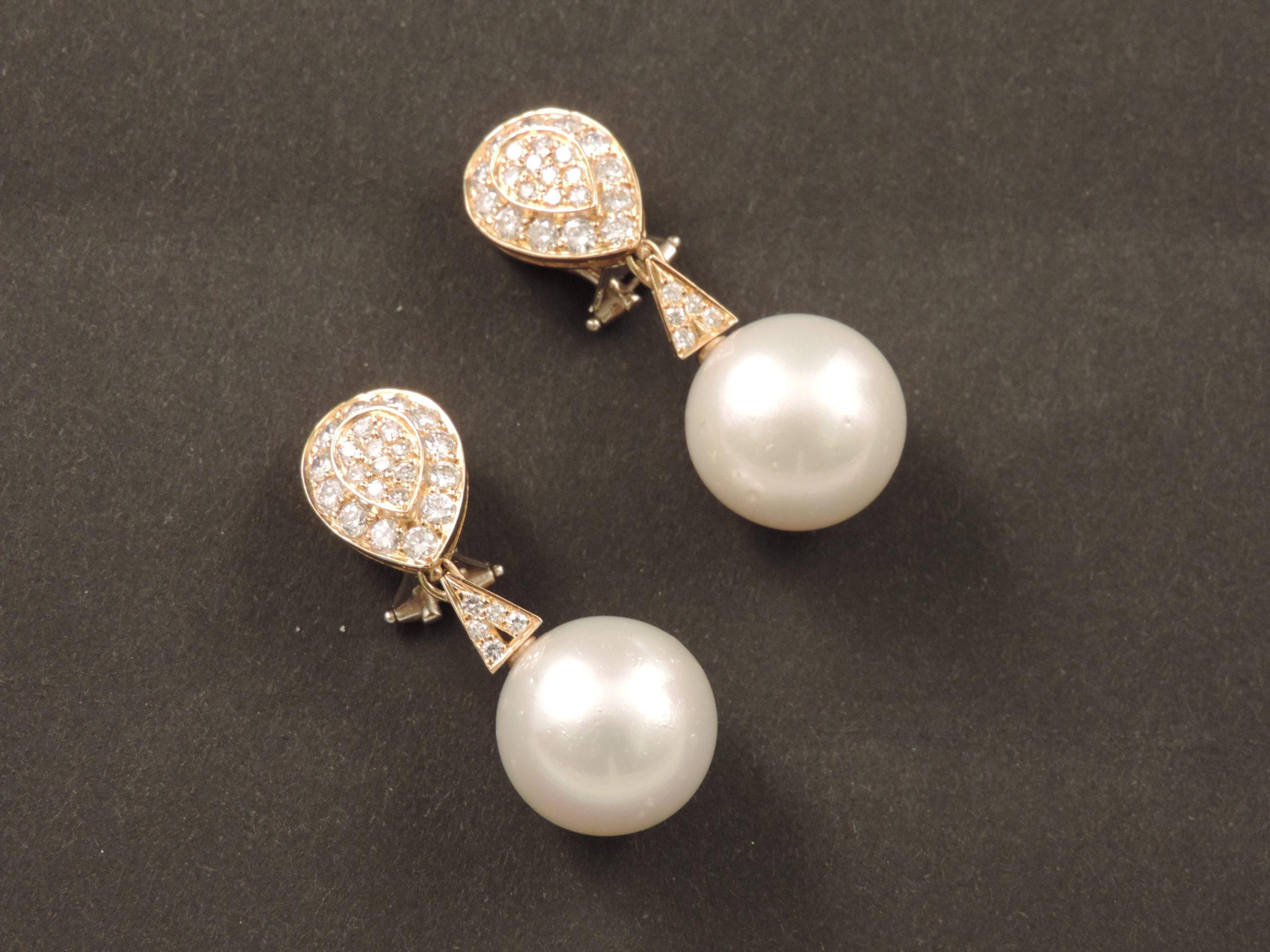 Orecchini a clip con perle coltivate e diamanti, anni '60