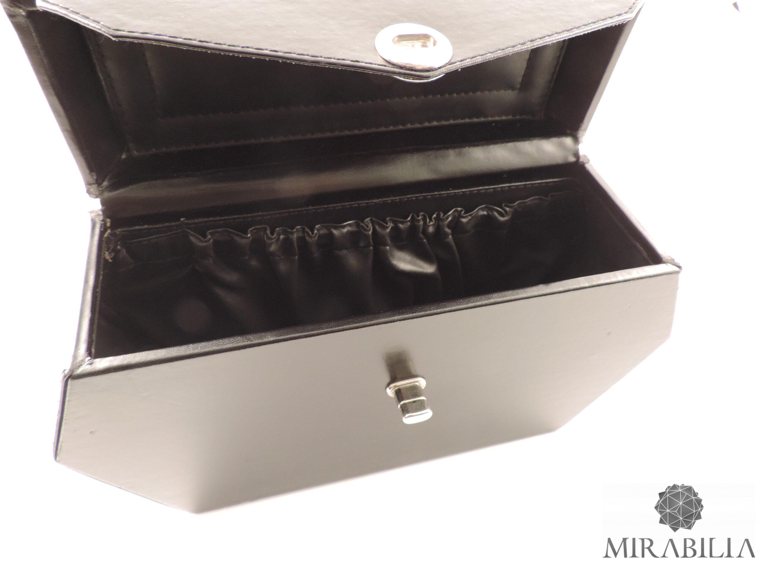 Borsa-bauletto rigido rivestito di pelle di vitello naturale nero (dettaglio interno)