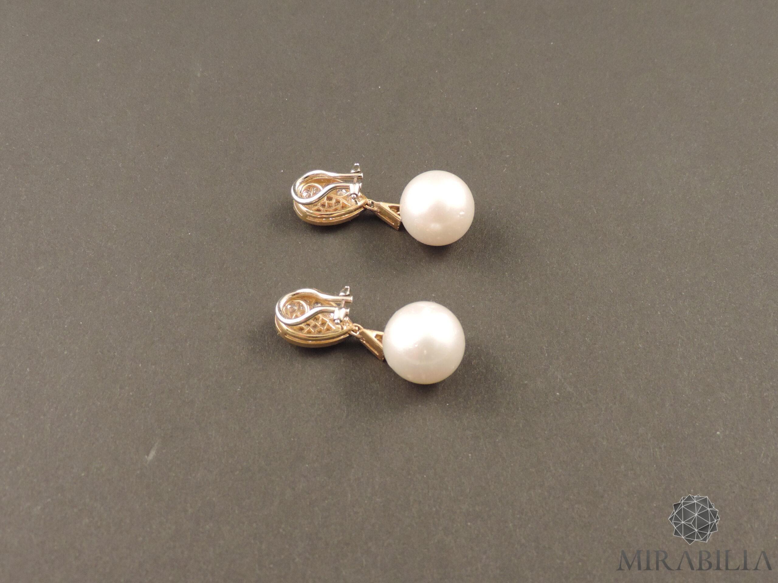 Orecchini a clip con perle coltivate e diamanti, anni '60 (dettaglio retro clip)