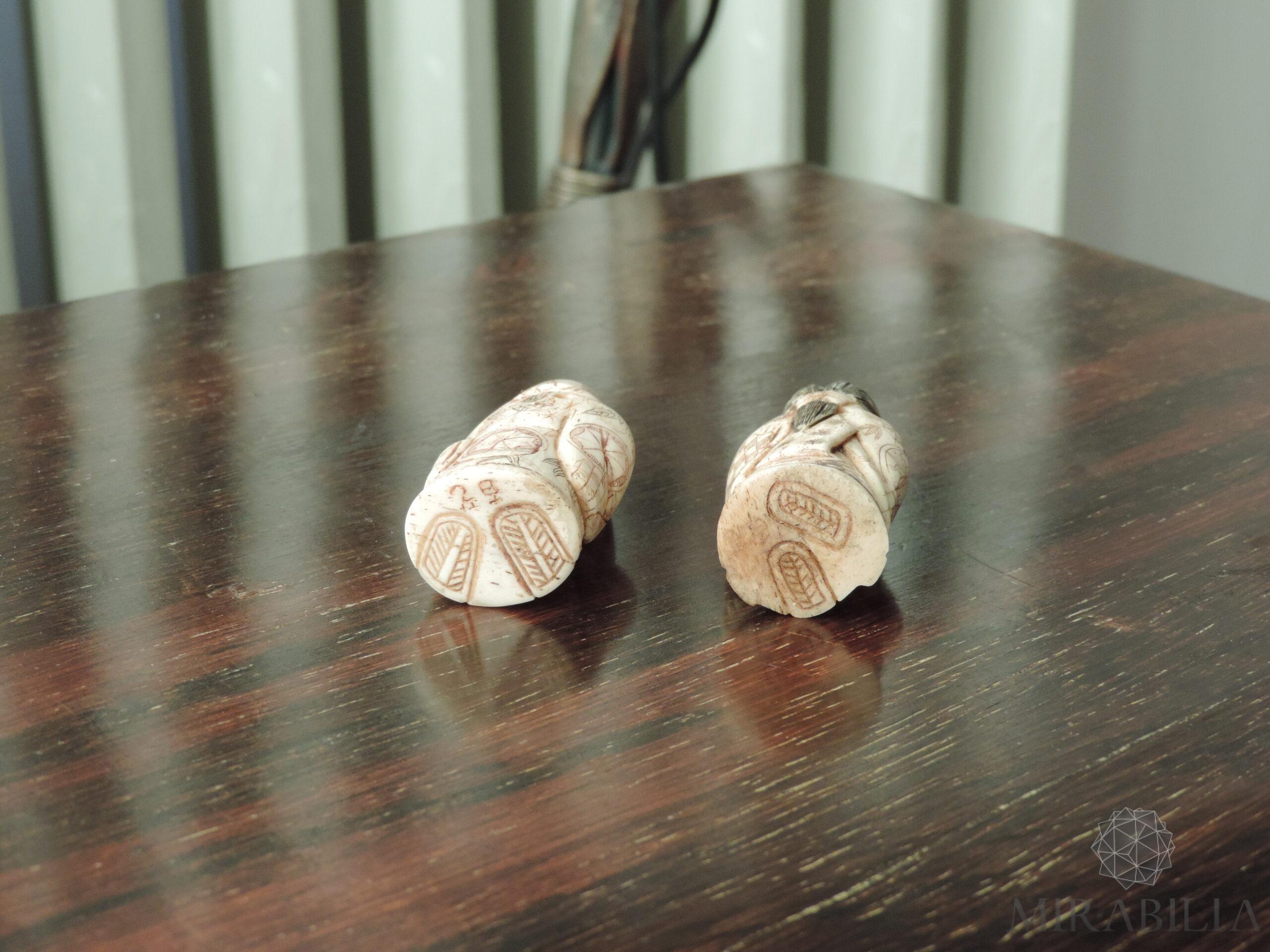 Coppia Netsuké Katabori giapponesi in osso (dettaglio base)